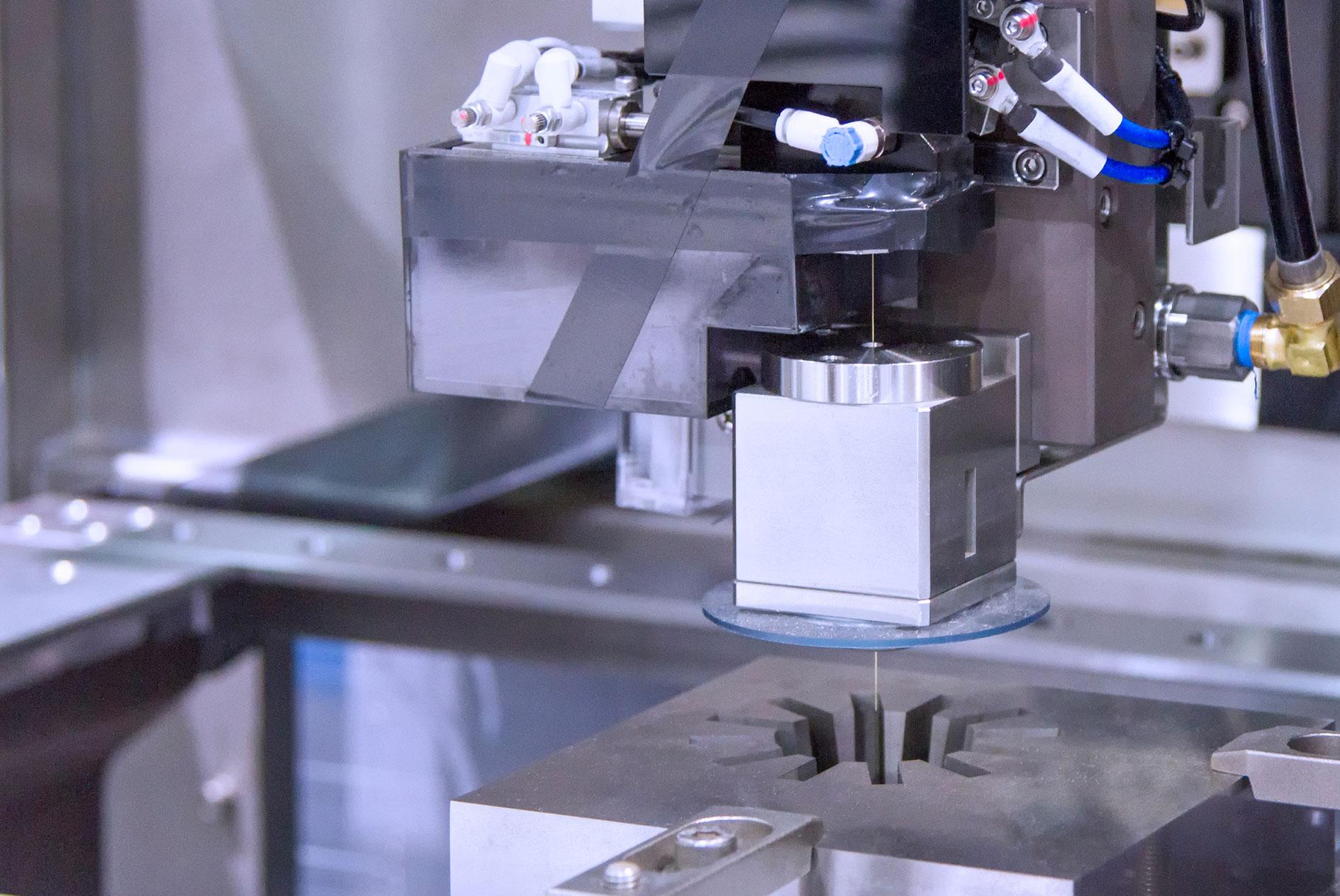 kkkoy-konetehdas-lankasahaus-alihankinta-metalliteollisuus-1