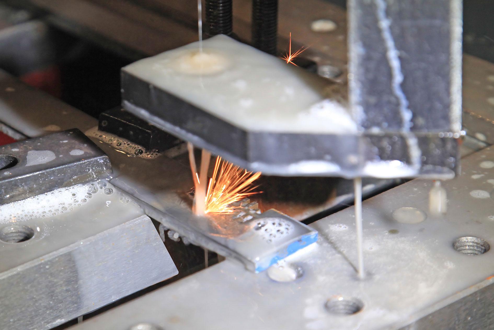 kkkoy-konetehdas-lankasahaus-alihankinta-metalliteollisuus-4
